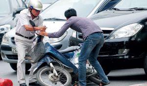 (Theo Tin nhanh chứng khoán) Bảo hiểm trách nhiệm dân sự xe máy lời cao, doanh nghiệp đề xuất… tăng phí!