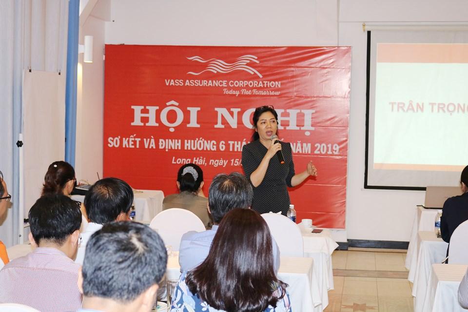 Chủ tịch HĐQT bà Đỗ Thị Minh Đức phát biểu tại Hội nghị